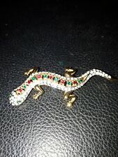 LARGE GOLD COLOURED LIZARD - GREEN STONE EYES/ FAUX DIAMOND BODY COSTUME BROOCH