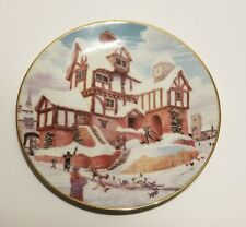 "David Winter Cottages Plate Collection ""Ebenezer Scrooge's Counting House"" 2106"