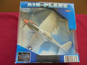 New-Ray Toys Airplane Model Curtiss P-40 Warhawk  1:48 Scale