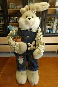Country Lace Standing Rabbit Sister with Potted Tulip Home Decor