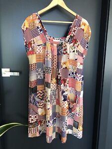 Lee Mathews Silk Dress Size 3 12/14