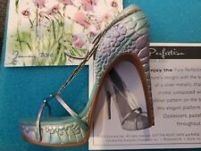 Just The Right Shoe Lorraine Vail Pure Perfection