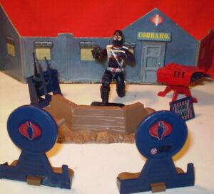 1985 GI JOE COBRA RIFLE RANGE SET & OPERATOR 2000 COMMANDER ARAH VINTAGE HASBRO