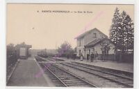 CPA 51800 SAINTE MENEHOULD Gare de Guise train animation