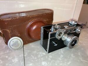 CAMERA Argus 35mm Vintage 1950's with Leather Case and Lens Cap