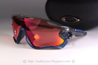 Oakley JAWBREAKER Sunglasses OO9290-4931 Carbon COLOR Frame W/ PRIZM Trail Torch