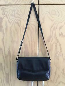 Elegant Black Leather Crossbody Bag With Leather Lining