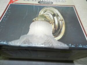 THOMAS Bath Lighting one light wall bracket DY6240 Polished Brass  NOS