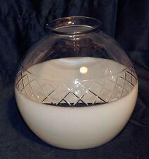 Globe, abat-jour , suspension en cristal taillé.