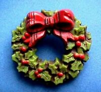 Hallmark PIN Christmas Vintage WREATH Nostalgic Wood Look Holiday Brooch