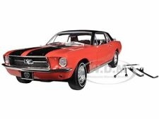 1967 FORD MUSTANG SKI COUNTRY SPECIAL RED/BLACK WITH SKI 1/18 GREENLIGHT 12892