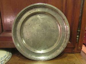 ancien grand plat en etain clair epoque 17 eme 18 eme poinconné lyon lion