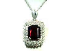 Collar de joyería con gemas de oro blanco diamante