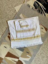 Vintage White 3 Piece Bath Hand Towel Wash Cloth by Royal Family Cannon