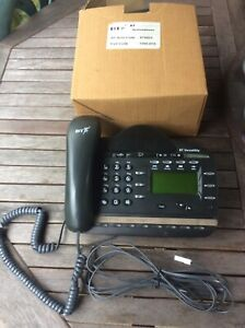 3 X BT Versatility V8 Featurephone In Black - Spares Or Repair As Untested