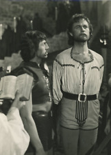 Deux acteurs à identifier dans un film d'aventure  Vintage silver print T