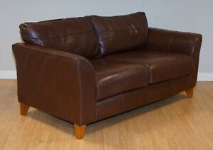 BEAUTIFUL BROWN LEATHER TWO SEATER SOFA PART OF SUITE