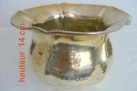 CACHE-POT métal argenté martelé/ signé LAVORATO(ITALY) ht 14cm. larg 21 cm.