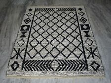 Handmade White Coloured Ikat Designer 4x6 Feet Home Decorative Kilim
