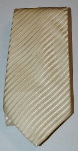 DONALD J. TRUMP SIGNATURE COLLECTION Ivory Diagonal Striped 100% Silk Neck Tie