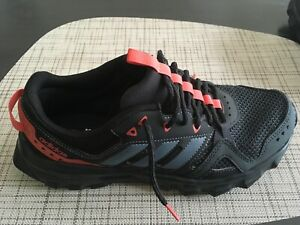 Adidas shoes  rock cloud foam size us 8 eur 40 black and red