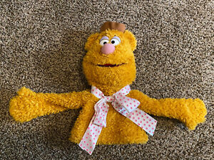 """Toys R Us FAO Disney The Muppets Fozzie Bear Hand Puppet Plush Long Arms 12"""" EUC"""