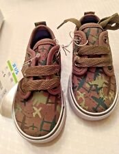 New Koala Kids Sneakers Basketball Style Boy Toddler CAMOFLAGE Airplane Size 9