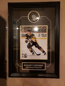Sidney Crosby Signed/Autographed & Framed Puck with Etch and 8x10 (Frameworth)