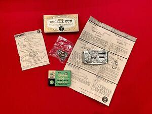 1958 MATTEL SHOOTIN' SHELL REMINGTON BUCKLE GUN WITH BOX/INSERTS/CAP BOX.