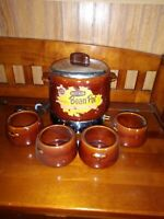 Vintage WESTBEND USA Brown BEAN POT With Electric HEAT-RITE HOT PLATE 4 Bowls