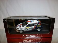 AUTOART 80113 FORD FOCUS WRC 2001 - Mc RAE 1:18 - BOXED + TRANSPORT STRAPS CAR