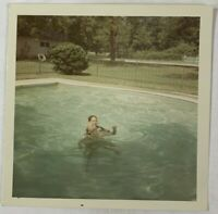 COLOR, Affectionate Girls In The Swimming Pool, Vintage Photo Snapshot