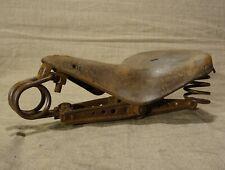 Ancienne selle en cuir de vélo   base Idéale  selle cuir ?  montée sur ressorts