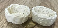 1:12 Scale 2 Wicker Baskets 3.5cm Tumdee Dolls House Miniature Accessory Zy