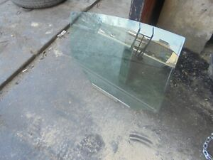 toyota avensis T270 - drivers rear door glass