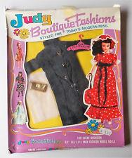 Vintage-Judy Boutique-DOLL FASHION-étagère Toy - 70er Ans fabriquéspar poupée