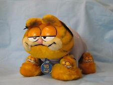 VINTAGE DAKIN GARFIELD PLUSH  MY FAVORITE SLIPPERS CAT  with 2 tags