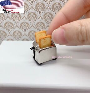 1/12 Miniature 1 Bread Machine Maker And 2 Toasts Dollhouse Kitchen Toaster Toy