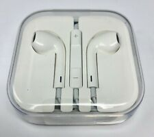 New! Genuine Apple EarPods (MD827LL/A) with Remote and Microphone - White