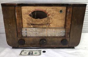 RCA Model Q33 Tube Radio