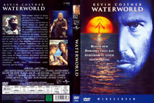 WATERWORLD --- SciFi-Action --- Kevin Coster --- Dennis Hopper ---