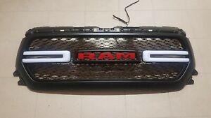 Dodge Ram Schriftzug Grill LED beleuchtet ab 2019 ROT