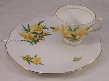 Beautiful Royal Vale bone china hostess set with daffodils
