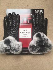 Ladies Black Textured Leather w/Fur Gloves Size Medium 6/8