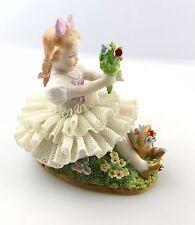#e5129 Sitzendorf Porzellan Figur Mädchen im Tüllkleid mit Blumen