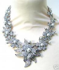 Butler and Wilson Cristal Transparente & Perla Collar con flor