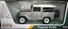 MOTORMAX TOYOTA FJ40 FJ 40 SILVER W/ WHITE TOP 1:24 DIECAST MODEL CAR 79323