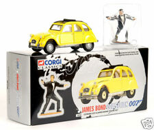 JAMES BOND : Citroen 2 CV & James Bond Figure