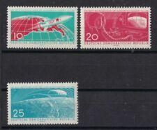 Postfrische Briefmarken mit Raumfahrt-Motiven aus der DDR