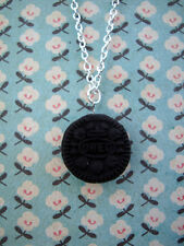 FUNKY MINI OREO COOKIE NECKLACE RETRO KITSCH JUNK FOOD SNACK BISCUIT CHOCOLATE
